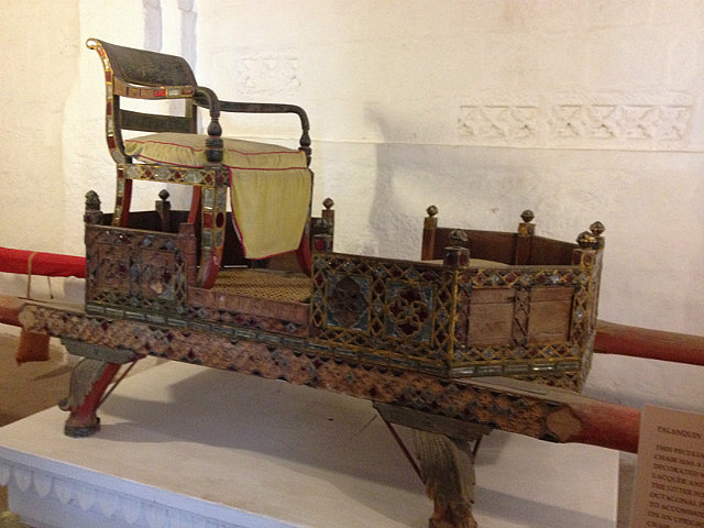 10.1415062071.the-french-chair-howdah.jpg