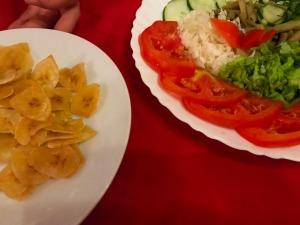 17.1493856000.banana-chips-and-salad