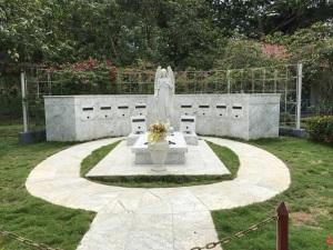 17.1494177241.castro-family-tomb