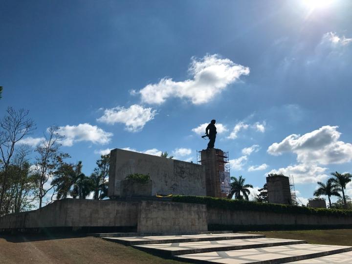 17.1494726596.ch-statue-at-santa-clara