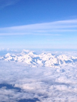 3.1383115590.flying-over-the-alps