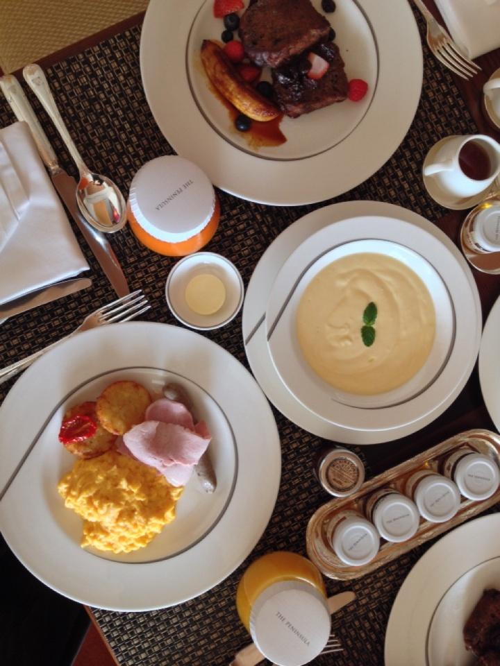7.1406764800.breakfast-in-the-room